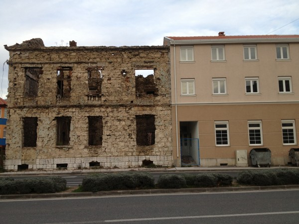 http://ic.pics.livejournal.com/zajaryan/45450977/4914/4914_600.jpg
