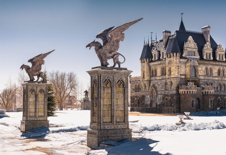 грифон, неоготика, скульптура, дизайн, griffin, luxury-отель, gothic, замок Гарибальди, гостиница, sculpture, готика, gothic revival, замок в Хрящевке, exterior design, garibaldi castle, griffon, gryphon