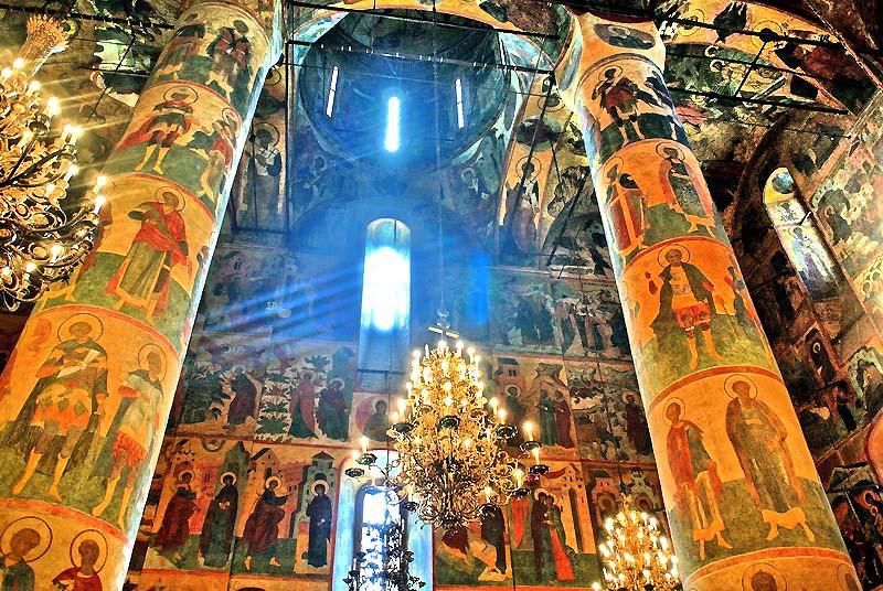 картинки успенский собор московского кремля внутри тюльпанами первые весенние