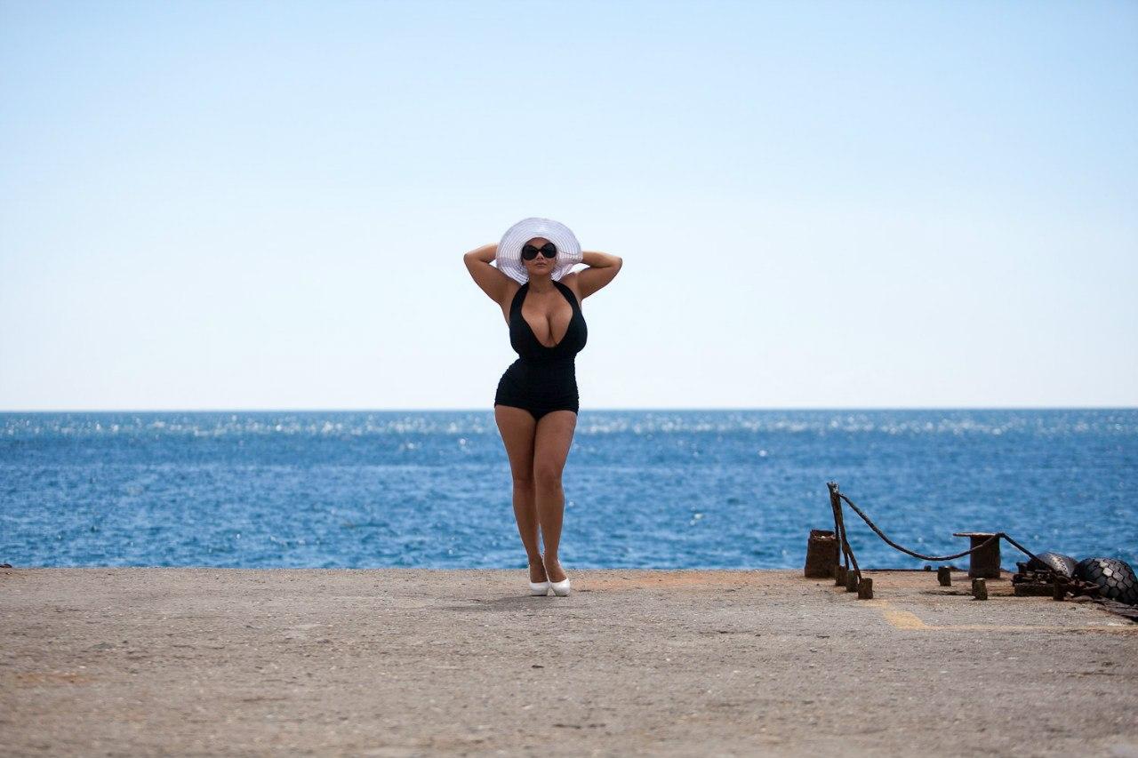 Фото голих грудей марії зиринг 10 фотография