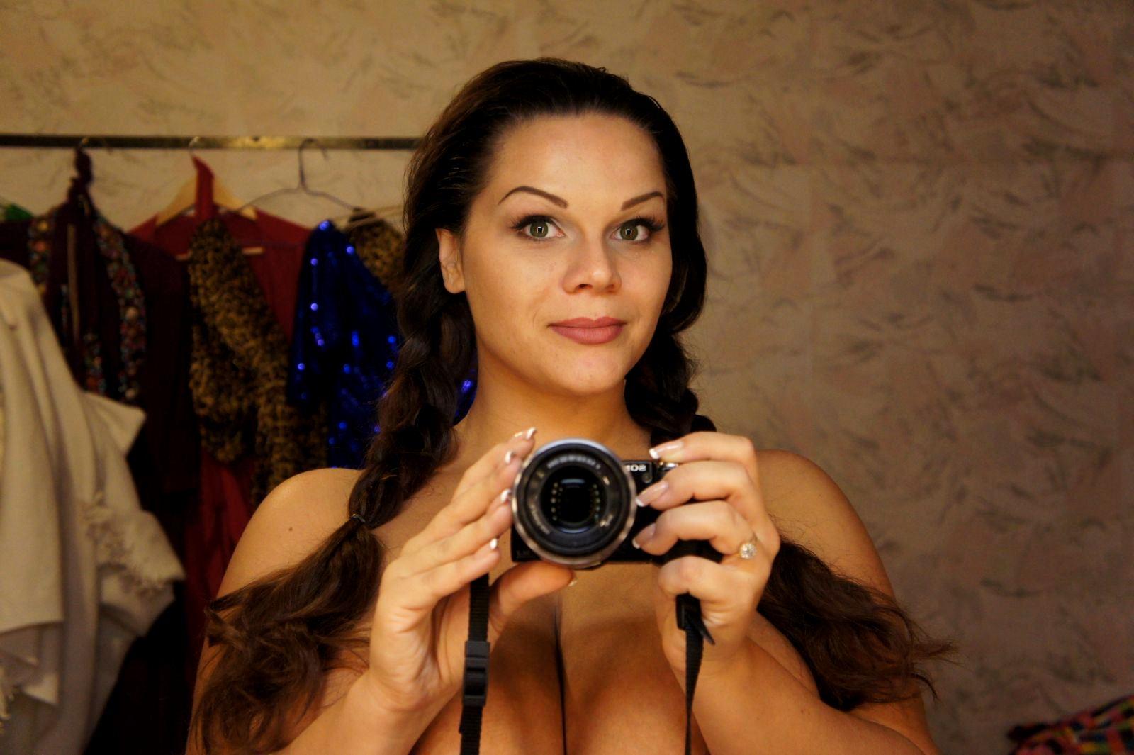 Фото голих грудей марії зиринг 19 фотография
