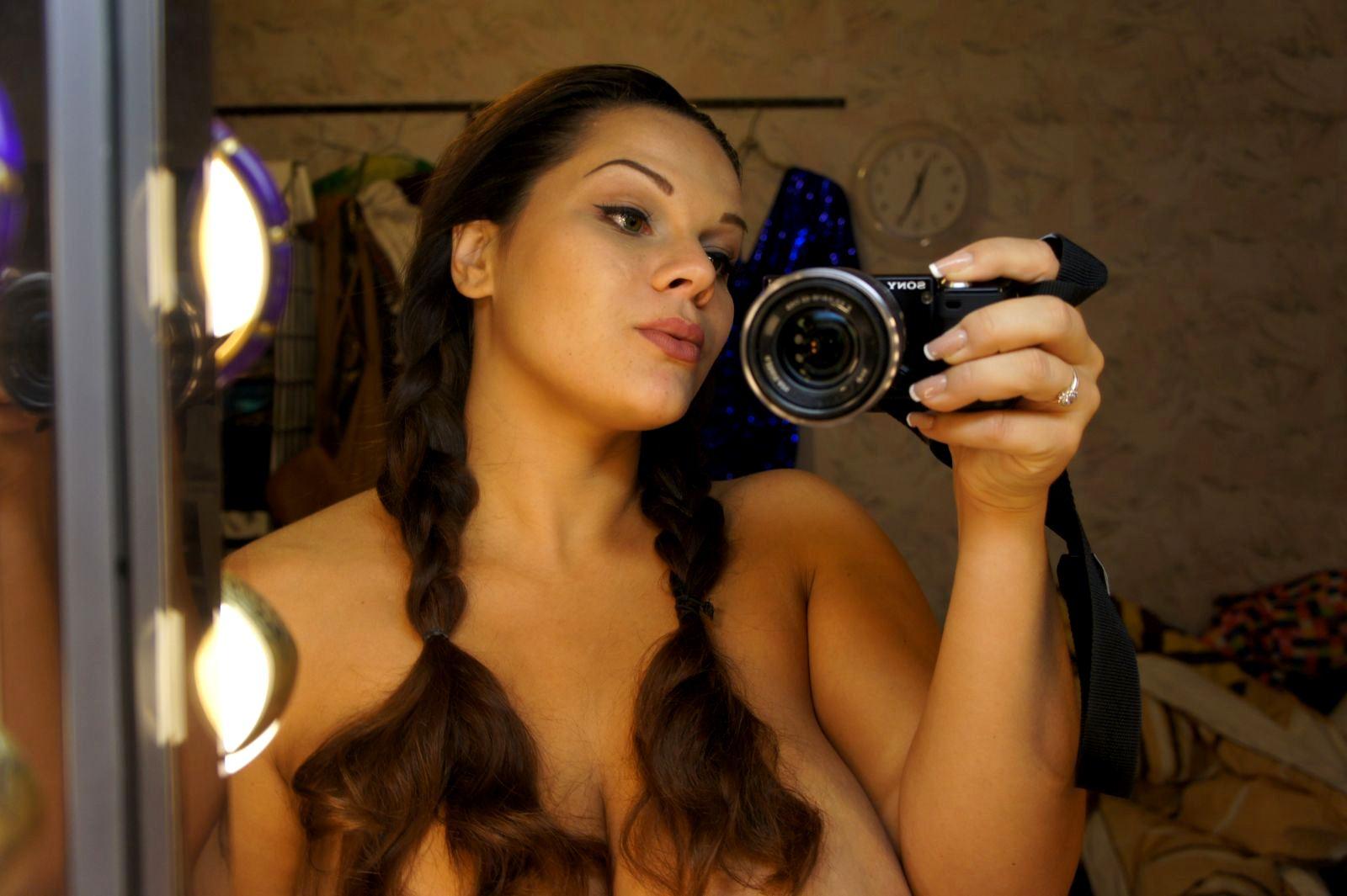 Фото голих грудей марії зиринг 3 фотография