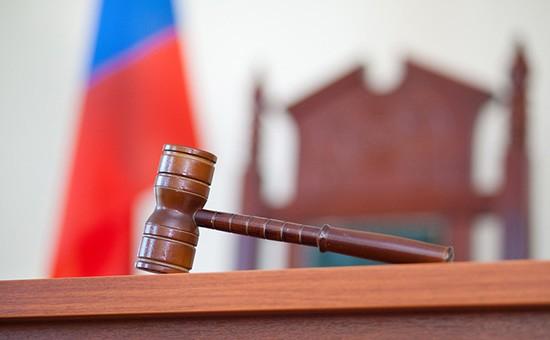Принявшая иск к Путину судья ушла в отставку