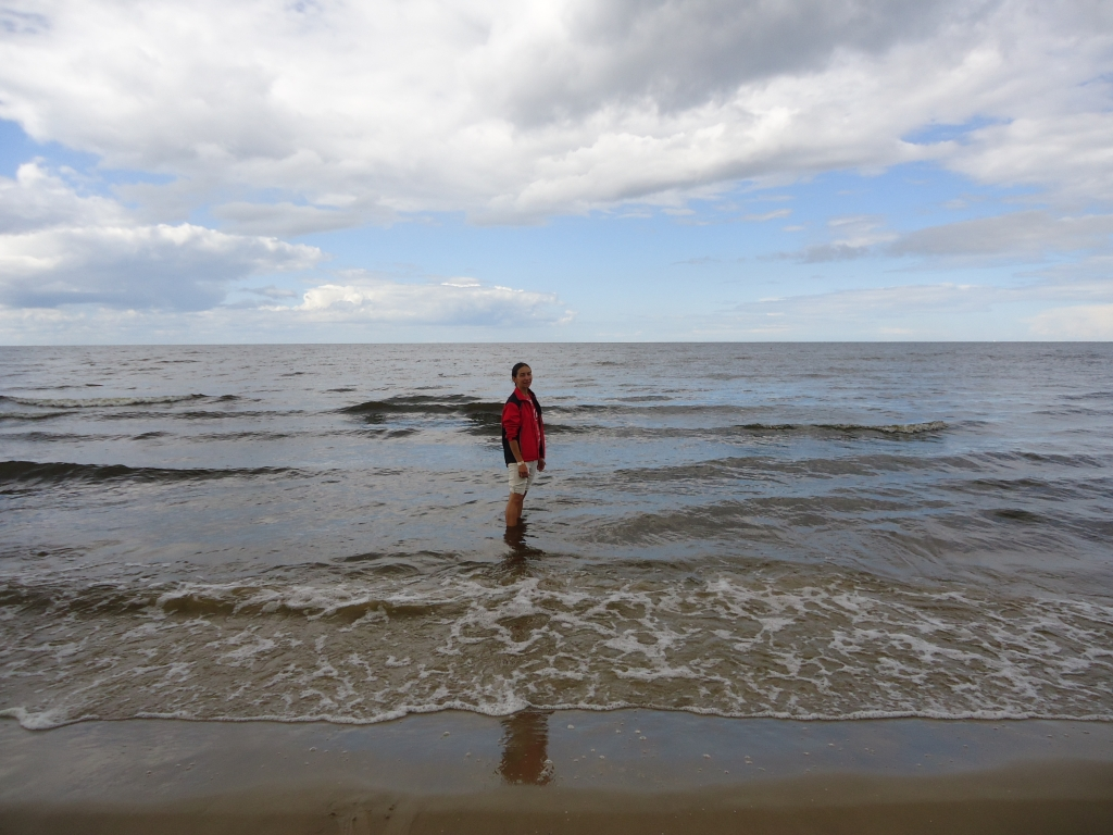 Фото девушки на море загнулась фото 375-97