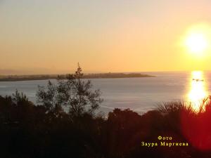 41. Закат над Батуми. Вид от сада