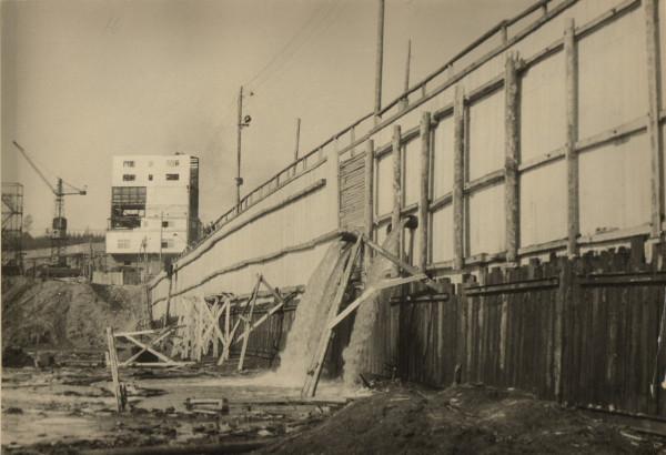 11 Бетонный завод и низовая перемычка КамГэс  1951 г.