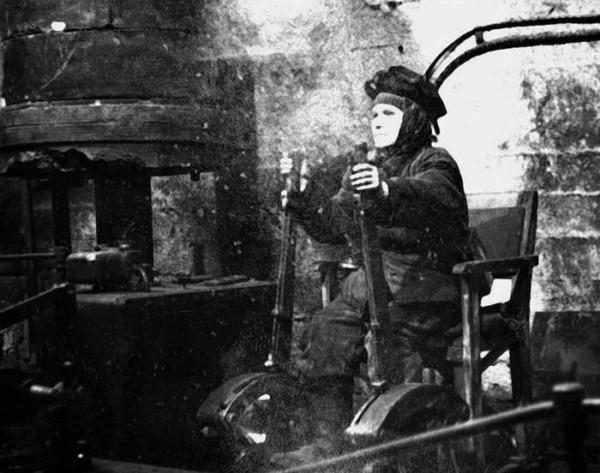2 50-е годы XX века Машинист подъёмной установки Зорина Нина Григорьевна. Шахта им. Ленина.