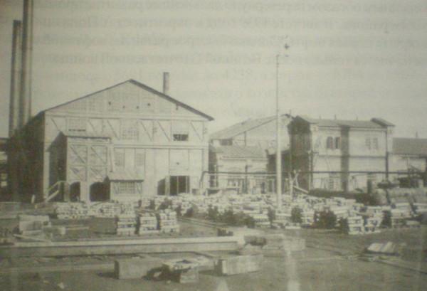3 Цеха Добрянского металлургического завода. Ориентировочно 1920-е годы.