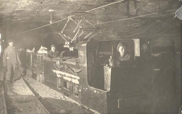 10 Электровоз в штреке шахты (Соликамск)