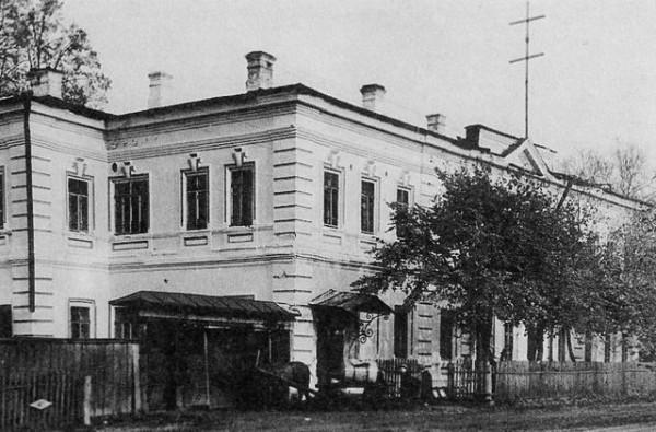 7 Заводоуправление Чёрмозского металлургического завода. 1959 год (предположительно)