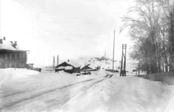 59 Место где был завод, после затопления Вид со стороны входа в сад. 1962 год