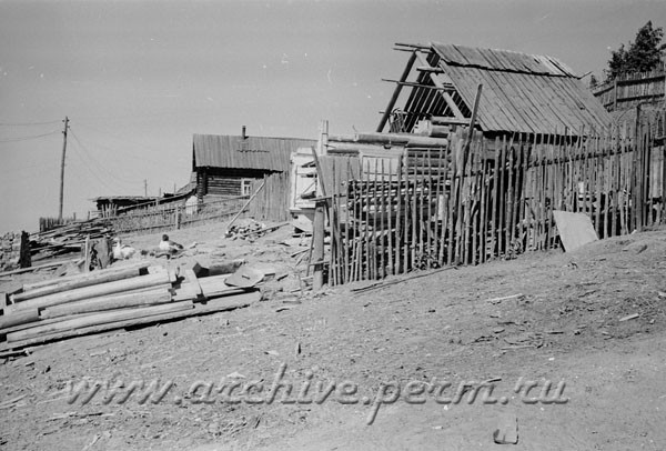 5 Снос домов в поселке Свободном под строительство завода «Камкабель». Фотография. 15 июня 1956 г.