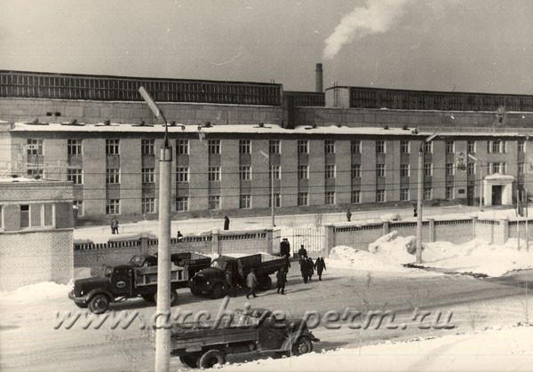 7 Внешний вид одного из корпусов завода Камкабель.
