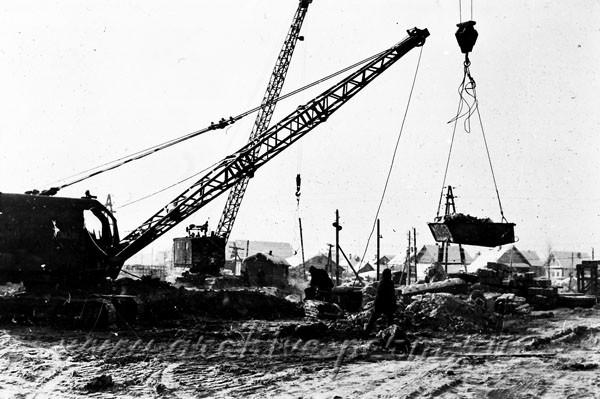 10 Строительство завода «Камкабель». Фотография. 1963 г.