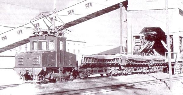 1 Неидентифицированный электровоз на станции Звезда Южного рудника треста «Союзасбест». 1958 год.  Автор фото - Арутюнов.