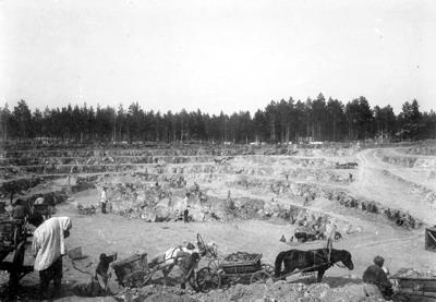 15 Поклевский рудник. Южная часть карьера. 1908 г.