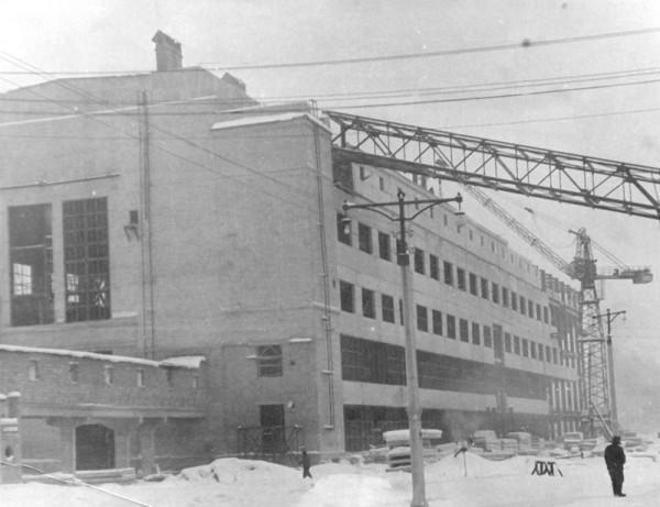 11 1960 год. Строительство цеха N2 (сейчас ОАО «Серовский завод ферросплавов» )