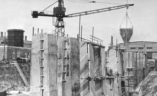 13 Строительство склада шихты (сейчас ОАО «Серовский завод ферросплавов» )