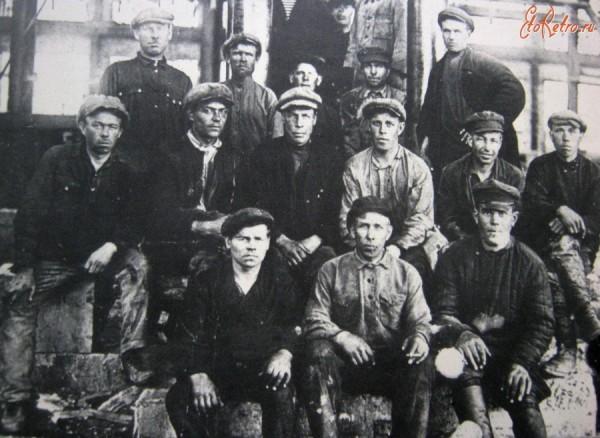 13 монтажники Штоссбанка. закупленное прокатное оборудовае