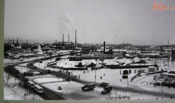 17 Вид на Новотрубный завод. 1968 г.