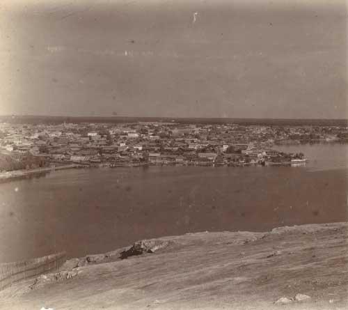 1 Вид на поселок Нижнетагильского завода и пруд с Лисьей горы в начале ХХ века