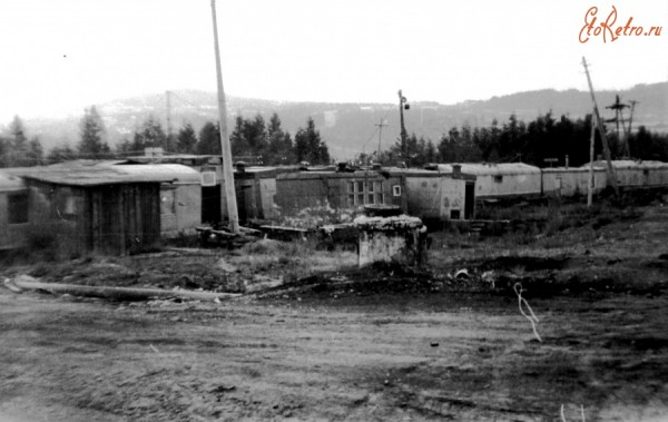 3 Общаги СМУ-3 РРЛ БАМ - вагончики и балки с кроватями в 2 яруса и общим надворным туалетом в 300 метрах от них