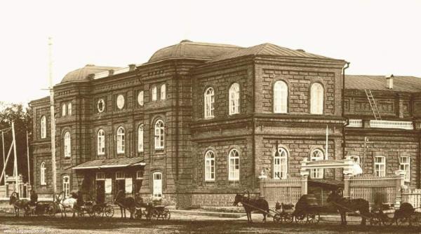 3 Здание Общественного собрания