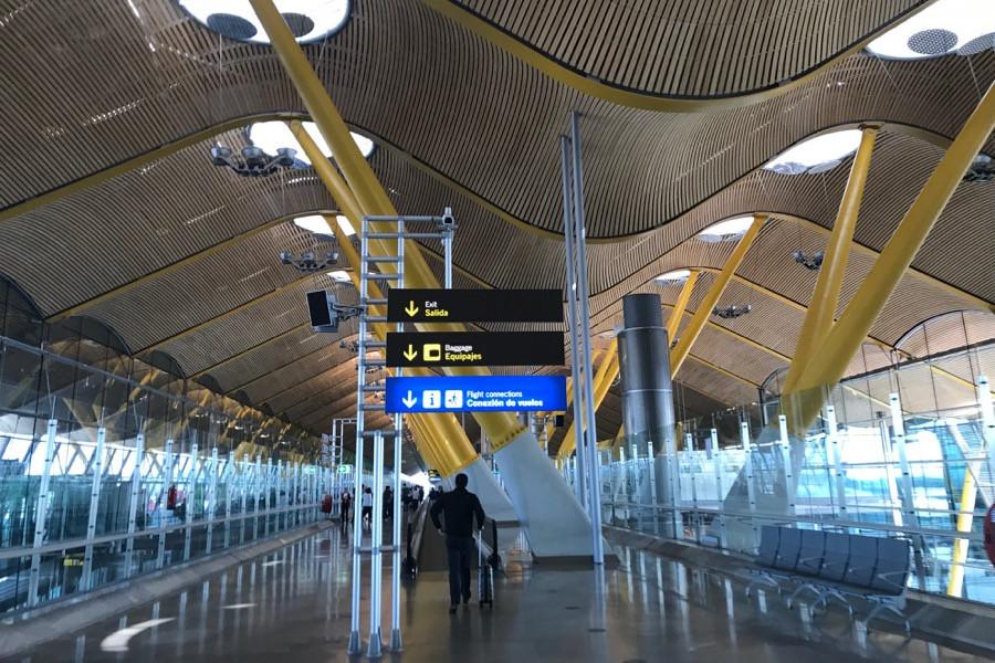 Пересадка в аэропорту Мадрида из терминала 4S в терминал 4 за 30 минут