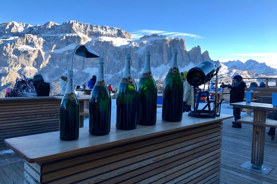 Ванны с шампанским и трехлитровые бокалы. Русские продолжают гулять в Альпах