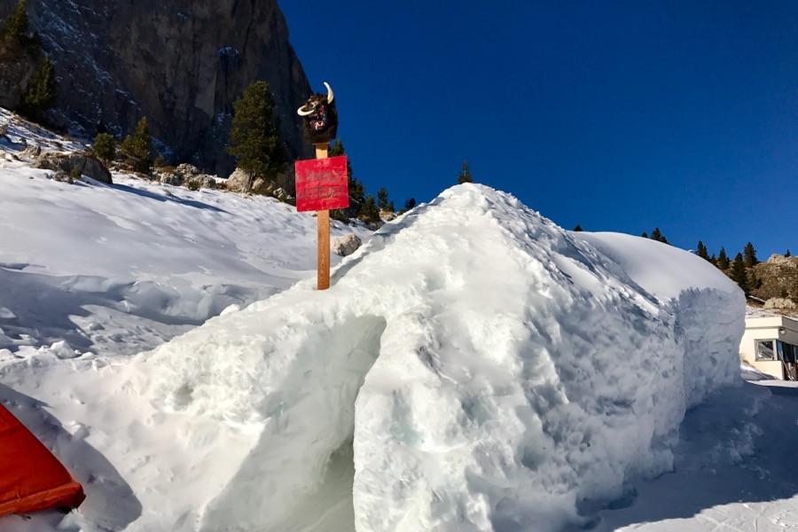 Как умеют делать трассы с искусственным снегом в Альпах. Мой спуск на видео