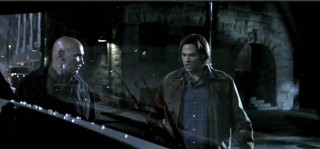 Sam and Samual preparing to run and help Dean Screen Cap