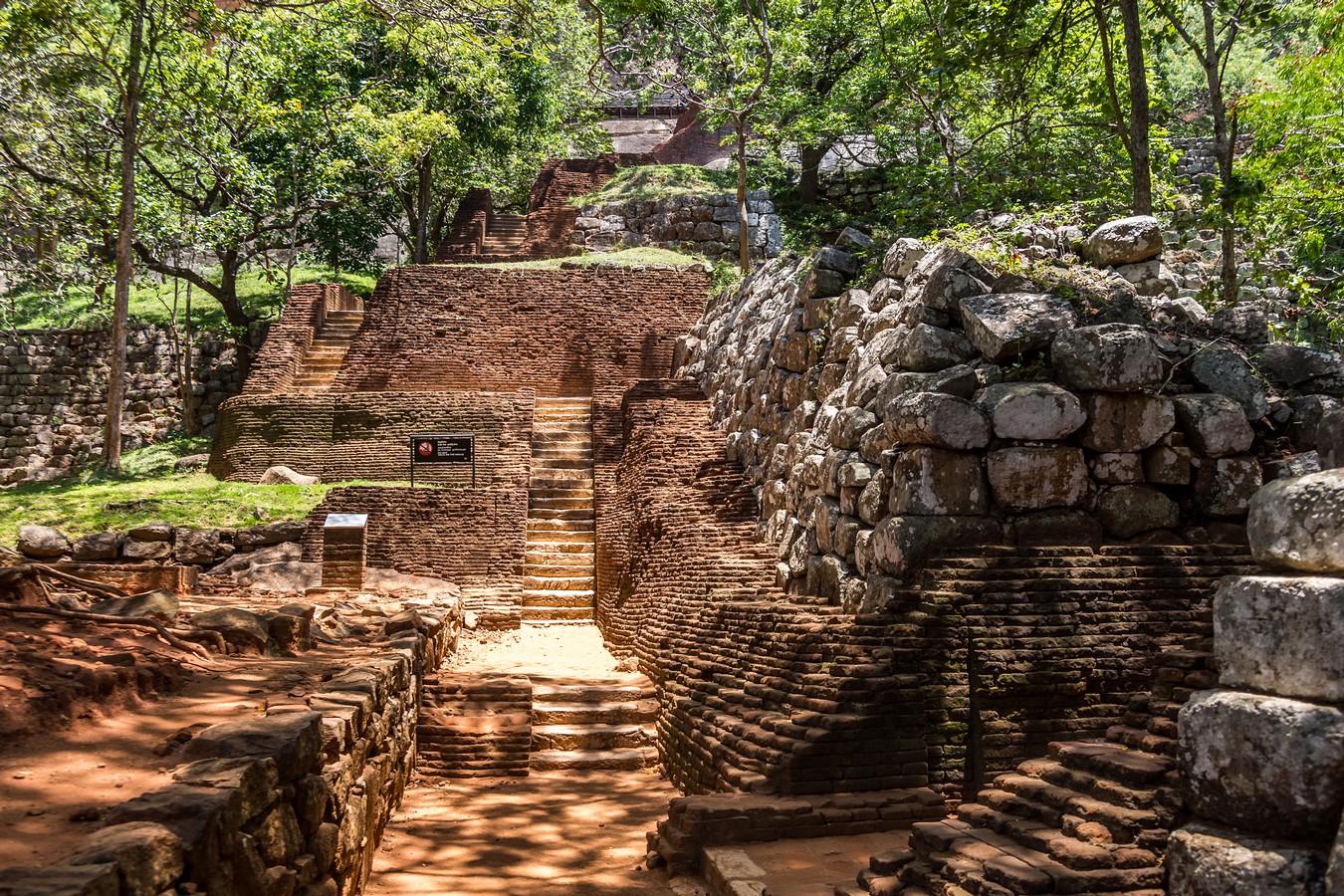 Шри-Ланка. Часть 5. Сигирия и Нилавелли. Храмы и рыбаки.