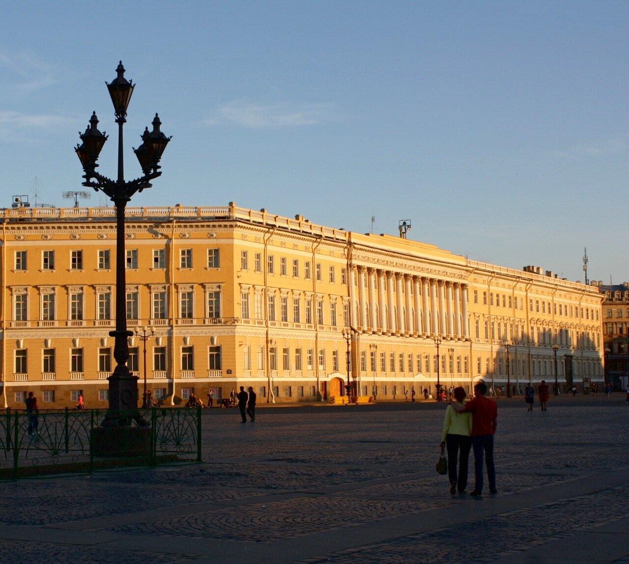 дворцовой и сенатской картинки вот здесь