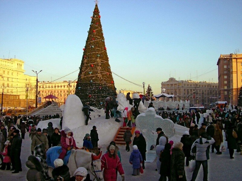 Челябинск. Елка на площади.
