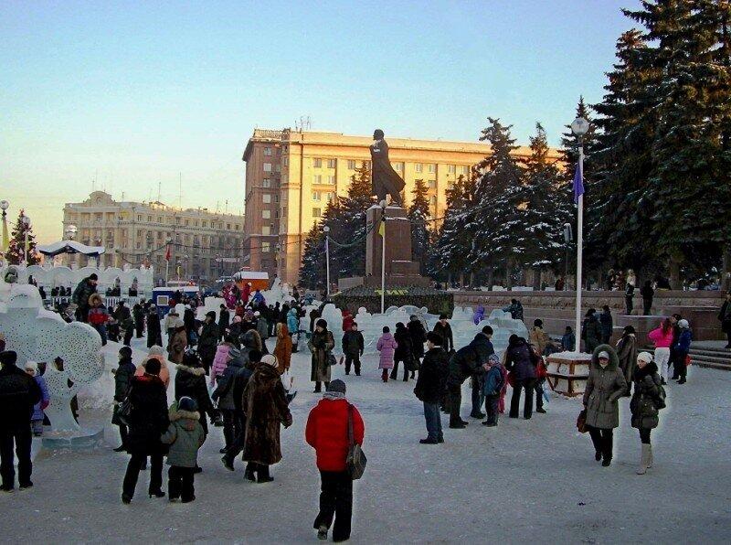 На площади Революции..JPG