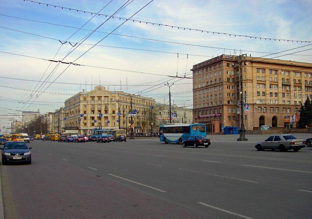 Челябинск. Площадь Революции, вид на Ритм (2).JPG