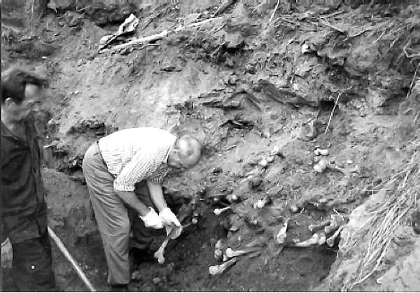 rasstrely_nkvd_05 Исследования массового захоронения в г. Владимир-Волынский. 1997 г
