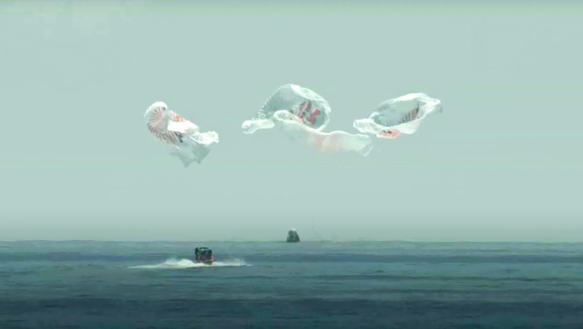 Успешная посадка пилотируемого Crew Dragon