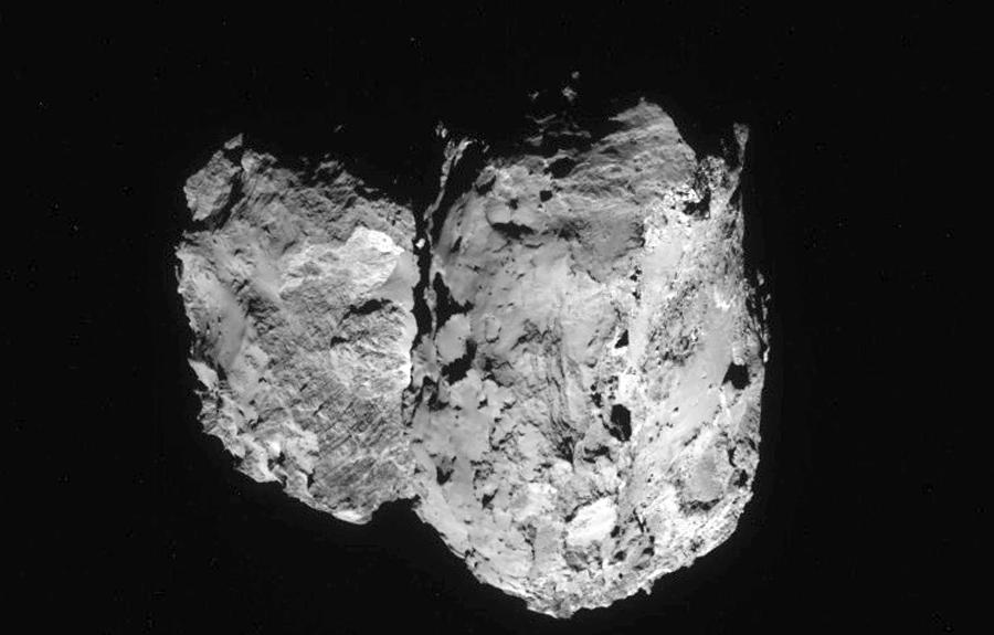 Comet_on_6_August_2014_-_NavCam