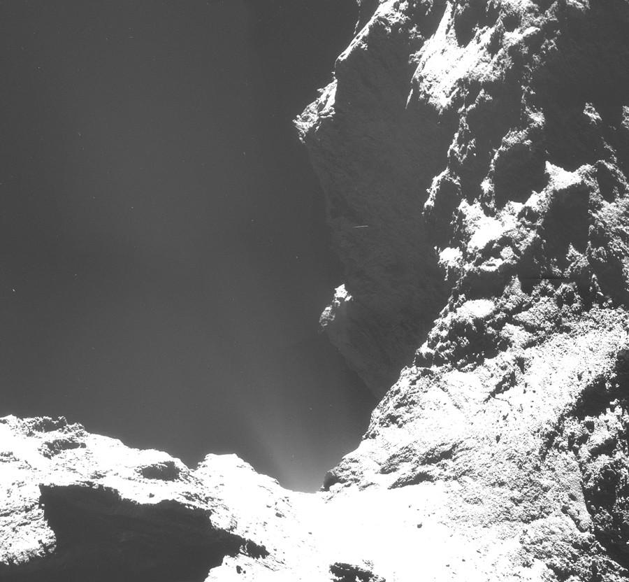 ESA_Rosetta_NAVCAM_141018_F