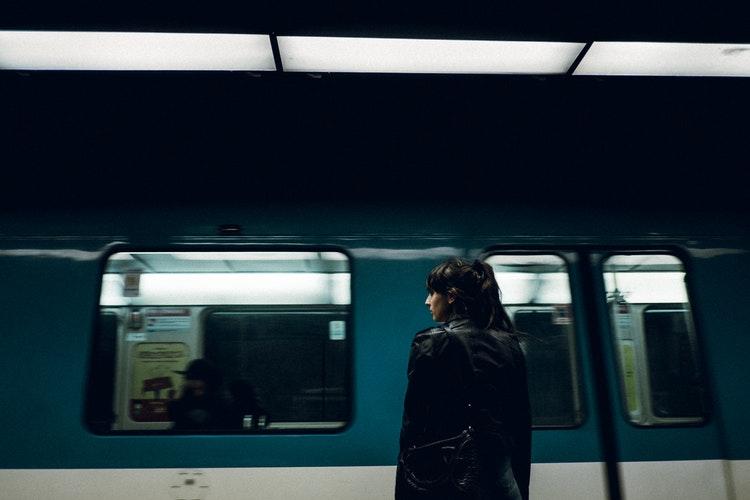 Так вот почему женщинам нельзя работать машинистом метро!