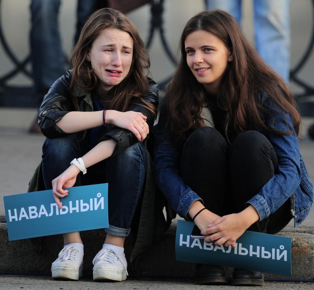 и куды терь бестолковость девать? б..ть  навальный ты звездо- оральный....