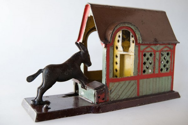 Mule_Entering_Barn_Cast_Iron_Antique_Mechanical_Bank_For_Sale_01