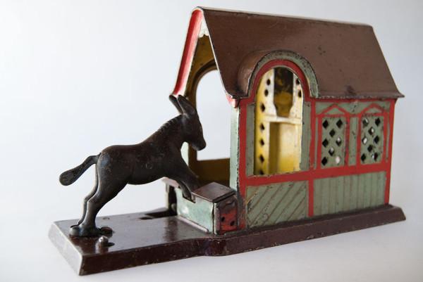 Mule_Entering_Barn_Cast_Iron_Antique_Mechanical_Bank_For_Sale_01