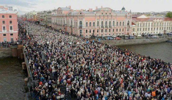 http://ic.pics.livejournal.com/zergulio/14338131/1737721/1737721_600.jpg