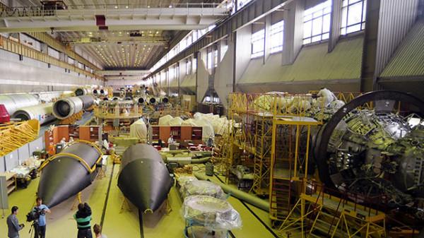 Центру Хруничева, единственному производителю ракет