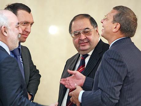 По сути, Путин призвал народ сплотиться вокруг олигархов