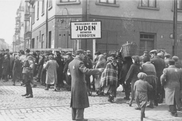 При Гитлере то баварское бы пили. Памятка для Прибалтики и Израиля.