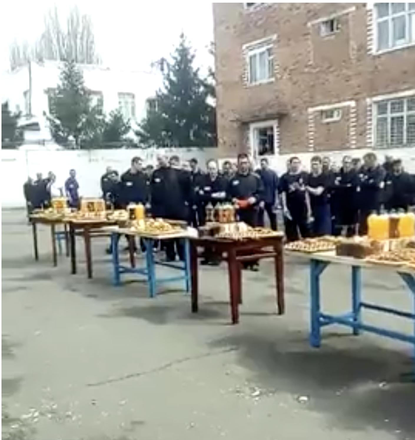 Крабы и шашлыки в тюрьме у Цеповяза оказались сущей мелочью, в сравнении с