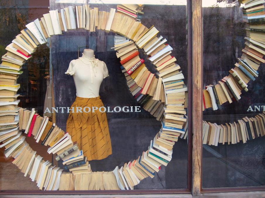 Vitriny-Anthropology-knignye-02